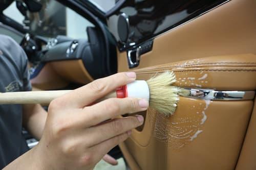 Dọn vệ sinh nội thất ô tô